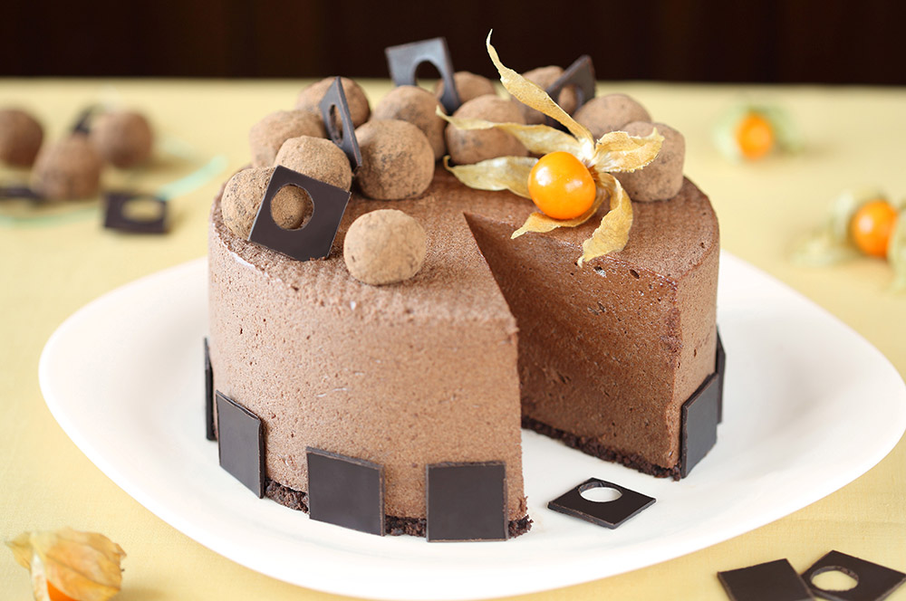 Fantastic Milk Chocolate Mousse Cake