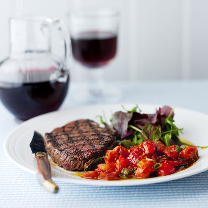 Fillet Steaks with Tomato & Garlic Sauce